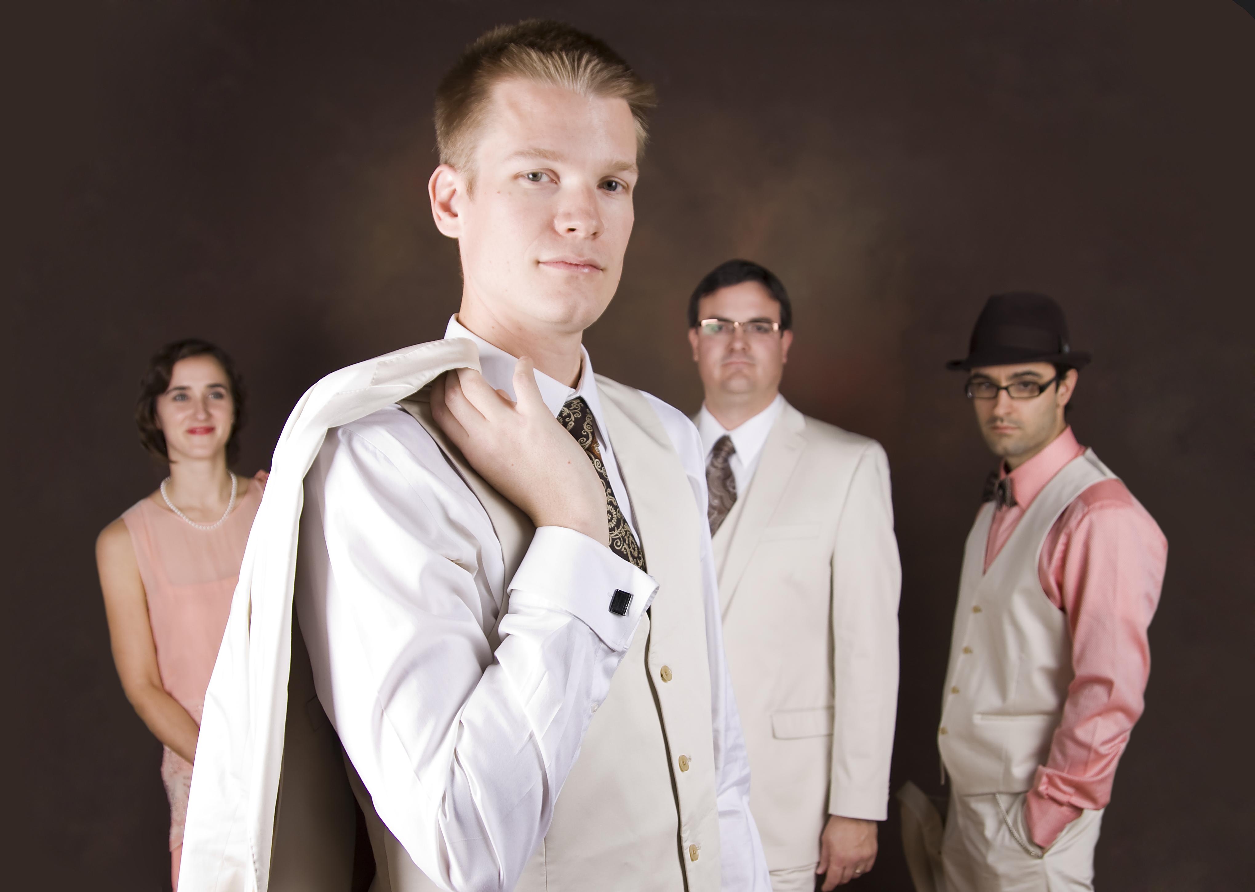 Graydon Peterson: bass