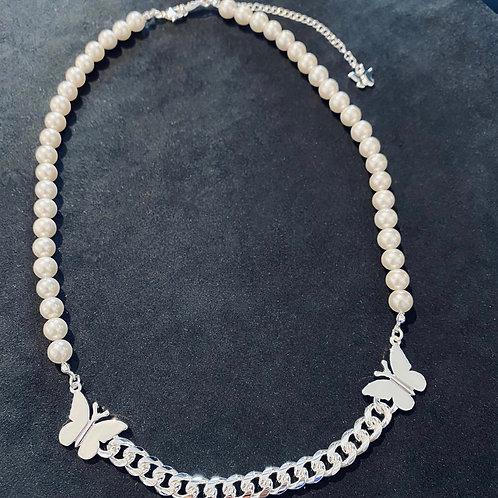STUGAZI Silky Silver Butterfly Pearl Necklace