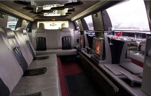 Chrysler 300 Stretched Limo Interior 1.j