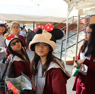 hat day 4th girls.JPG