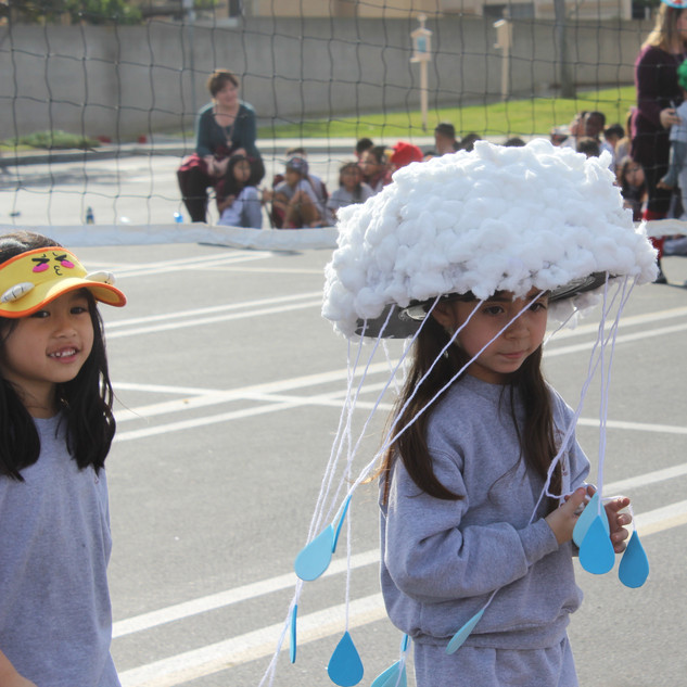 hat day parade 1.JPG