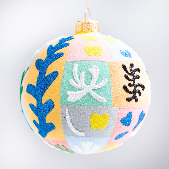 "#2129 - Thomas Glenn ""Henri"" Ball Christmas Ornament"