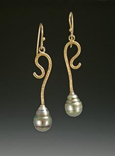 Tahitian-pearl-earrings-Web.jpg