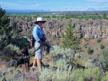 Hiking Deschutes Canyon Rim