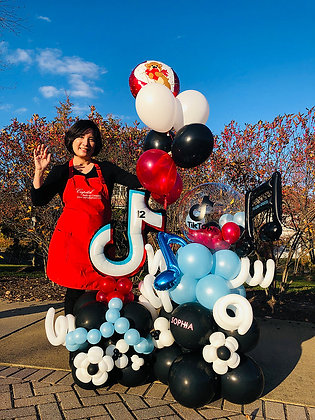 TICTOK Balloon Sculpture