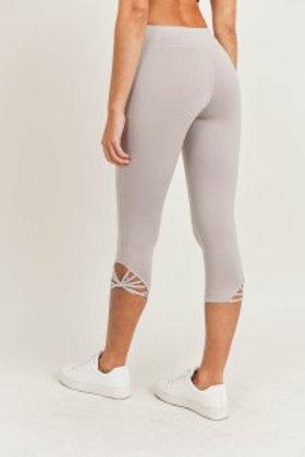 Webbed Strap Capri Leggings