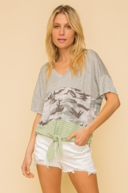 FABRIC MIXED COLOR BLOCKED FRONT TIE SHORT SLEEVE JERSEY TOP