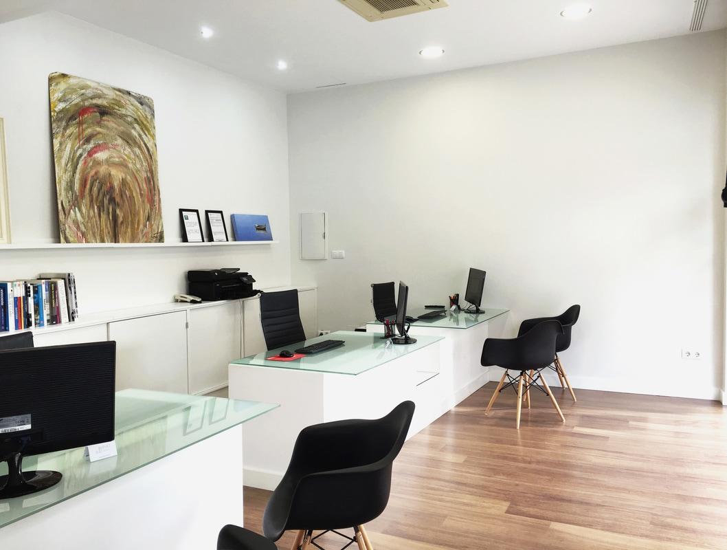 Oficinas administrativas Rem House