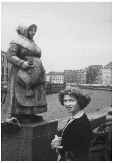 Mary Zimbalist : Photographs : Mary with statue