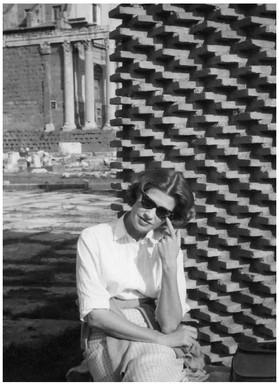 Mary Zimbalist : Photographs : Mary with sunglasses