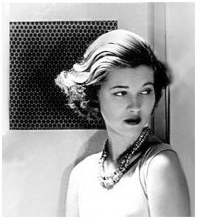 Mary Zimbalist : Photographs : Mary modeling