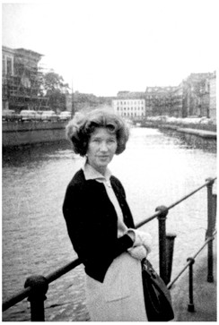 Mary Zimbalist : Photographs : Mary beside a river