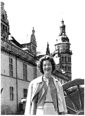 Mary Zimbalist : Photographs : Mary smiling