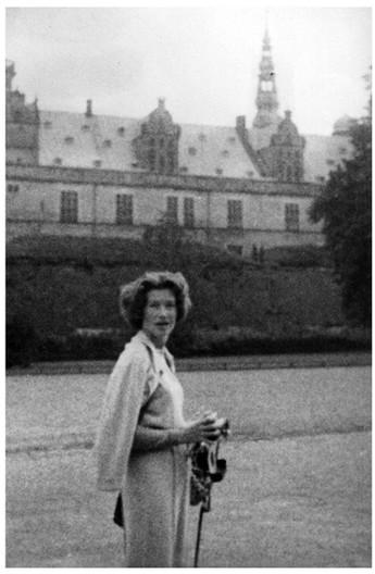 Mary Zimbalist : Photographs : Mary with camera