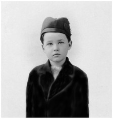 Mary Zimbalist : Photographs : Mary as a very young child with hat