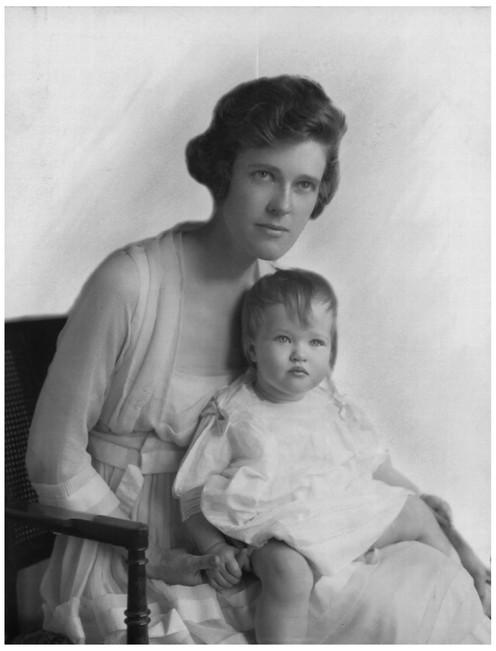 Mary Zimbalist : Photographs : Baby Mary with mom