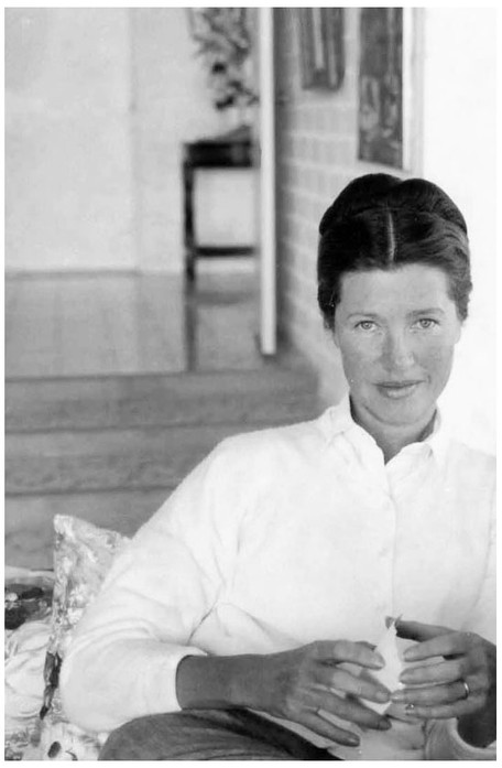 Mary Zimbalist : Photographs : Mary holding cup