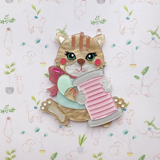 Caramel Bobbin Kitty Brooch