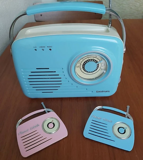 Retro Radio Brooch - Pink