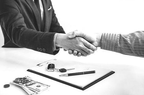 poignee-main-cooperation-client-vendeur-
