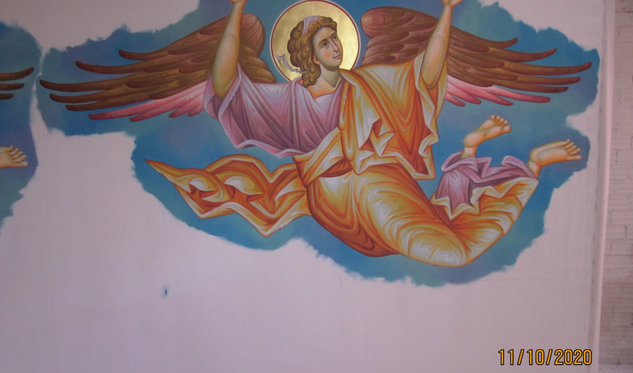 Angels  to circle the Pantocrator
