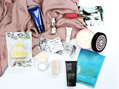 Rock that Rosalena Glow with a Le Fashion Fetish Box