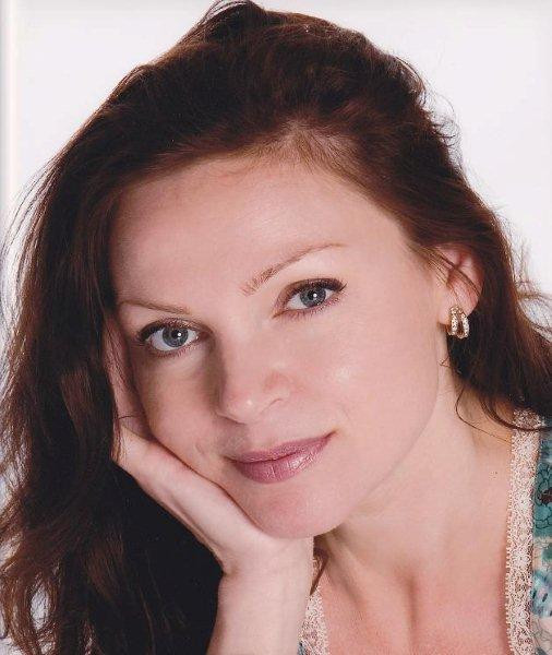 Elaine Tomkins, Senior Therapist, Rosalena FaceFit Treatments