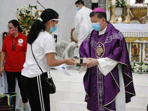 Bishop Villarojo Leads Pamaskong Handog Mass; Donations Given Today