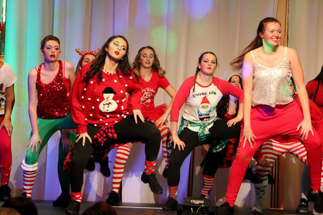 051_Hip Hop_Christmas Show