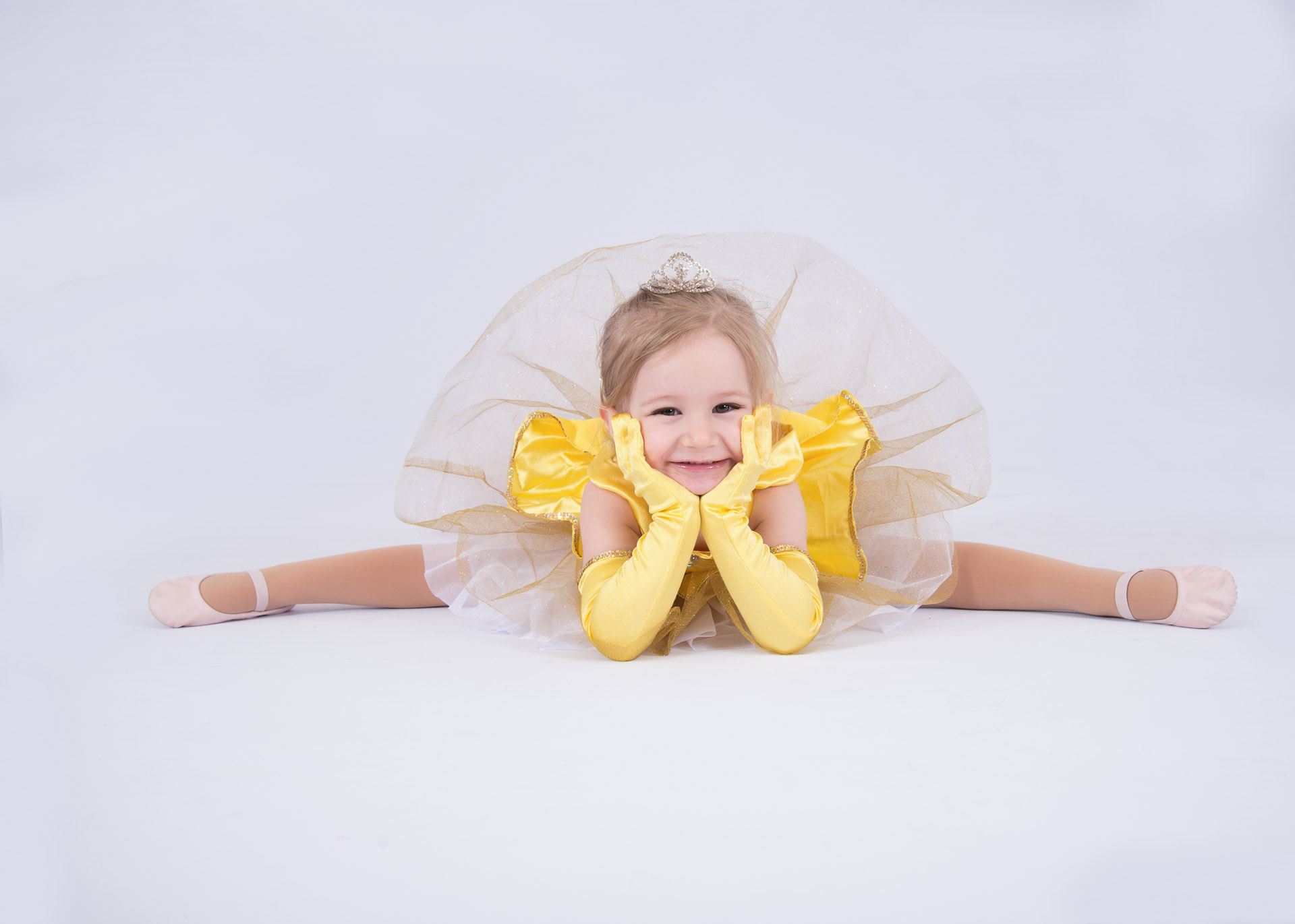 129_Tiny Tutu_Straddle