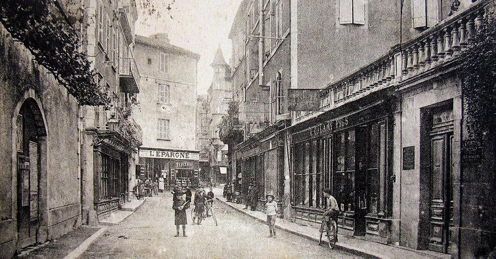 Figeac, la rue de la République début XX ième siècle