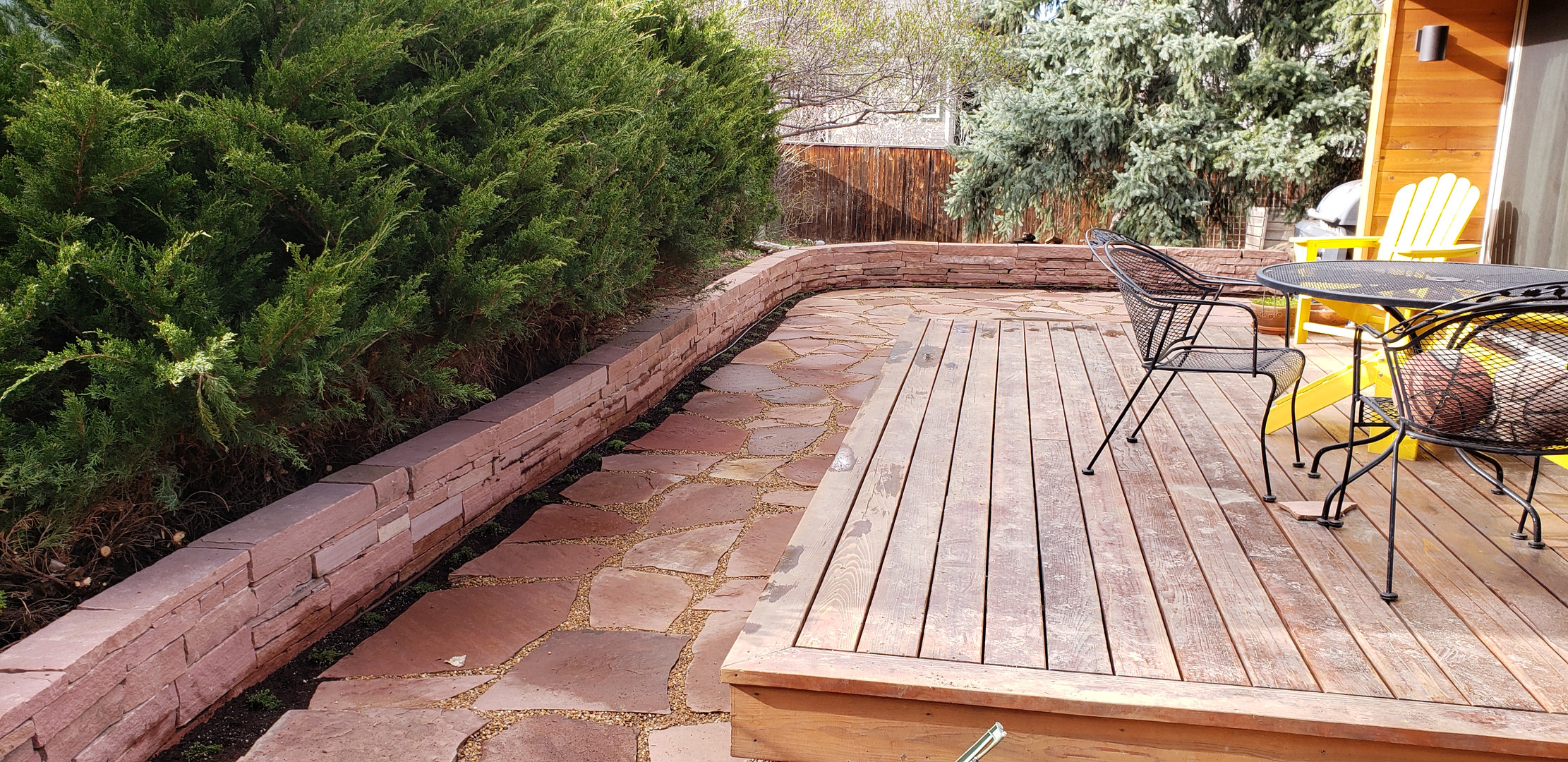 Final Picture Flagstone Patio and Striptone Wall Installation