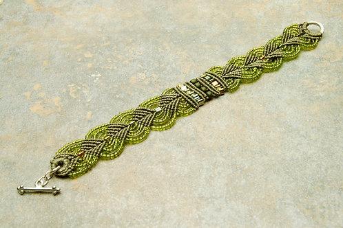 Olive Leaves Macrame Bracelet