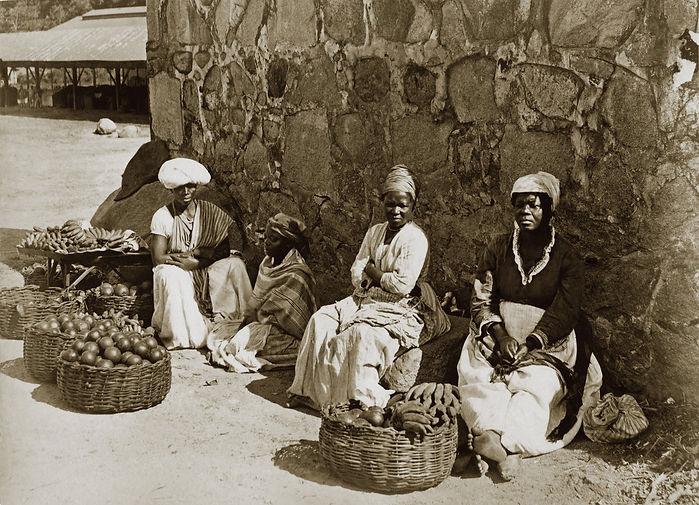Una foto del 1875 a Rio de Janeiro mostra delle donne venditriciambulanti chiamate «quitandeiras»