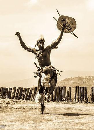 L'Africa è una terra di danze tribali, riti e tradizioni arcaiche.