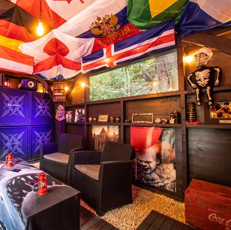Killer Club House for Smokers