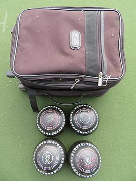 Henselite Classic Deluse Black Size 6 Heavy Trolley Bag - $100.jpg