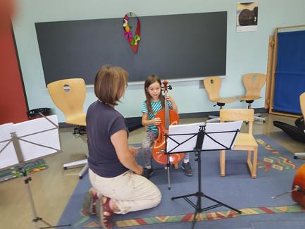 Cellounterricht mit Judit