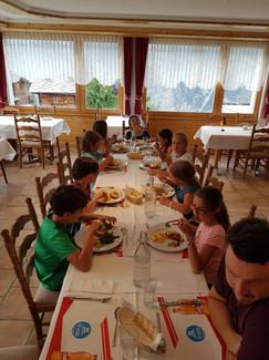 Mittagessen im Restaurant Träffpunkt