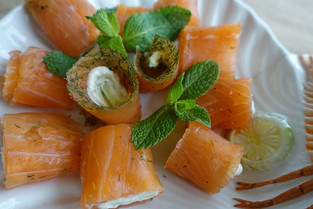Salmon & Tartare & Cucumber Wraps