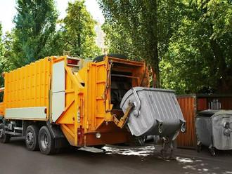 Мигрирующих свалок в России становится все больше: как проследить за серыми мусоровозами