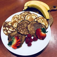Banana Pancakes!_A great easy, 3 ingredi