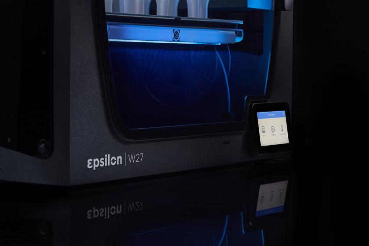 BCN3D_Epsilon_Series_3D_Printer_multilin