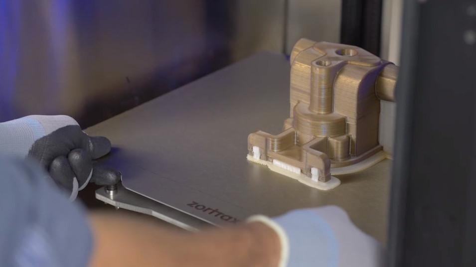 ZORTRAX-New3DPrinter-model3.jpg