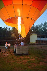 hot air balloon in Kandalama