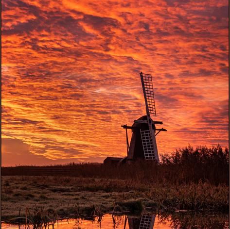 Sunrise at  Herringfleet Mill