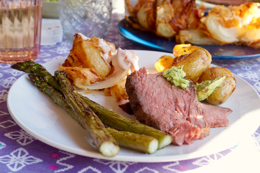 Rind beef Prime Rib Roast Hohe Rippe Grillen BBQ smashed potatoes spargel Zwiebelblume