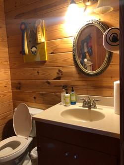 Main Lounge Bathroom