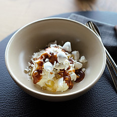 Apple, feijoa, salted macadamia mess