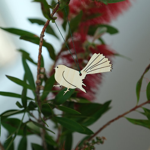 Native wildlife decorations